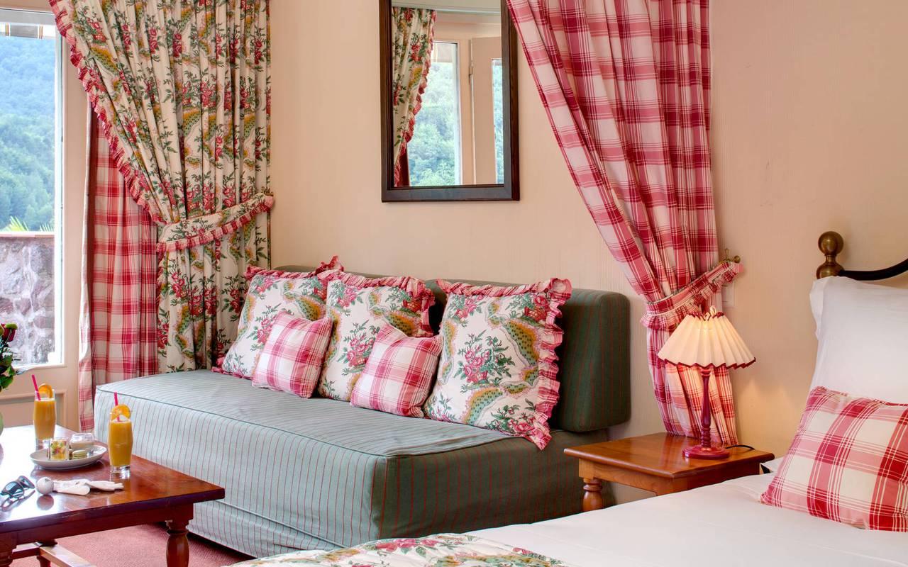 Bedroom lounge 3 star hotel eastern pyrenees
