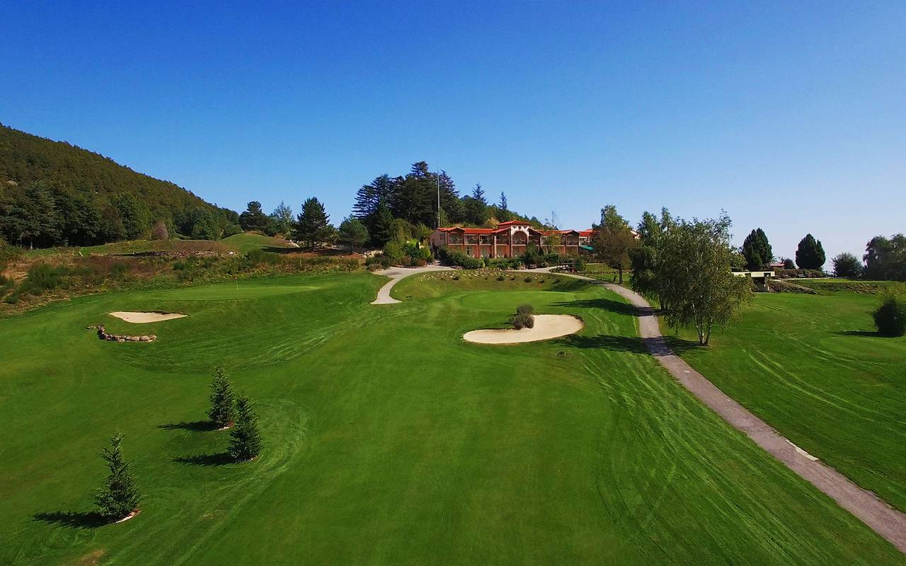 Large golf charming hotel 66