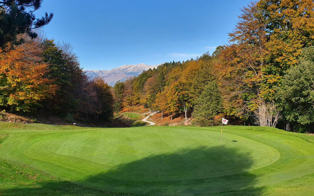 Large golf hotel Roussillon