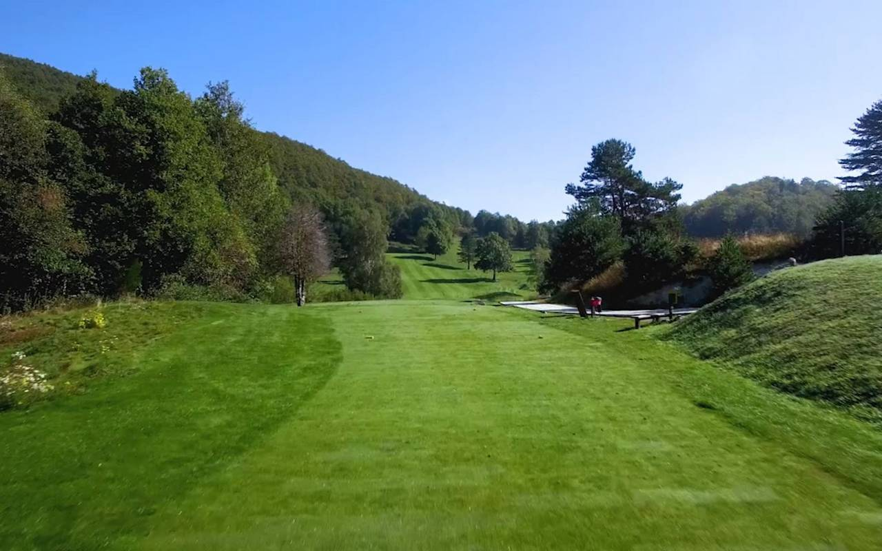 Hole 10 golf st laurent de cerdans