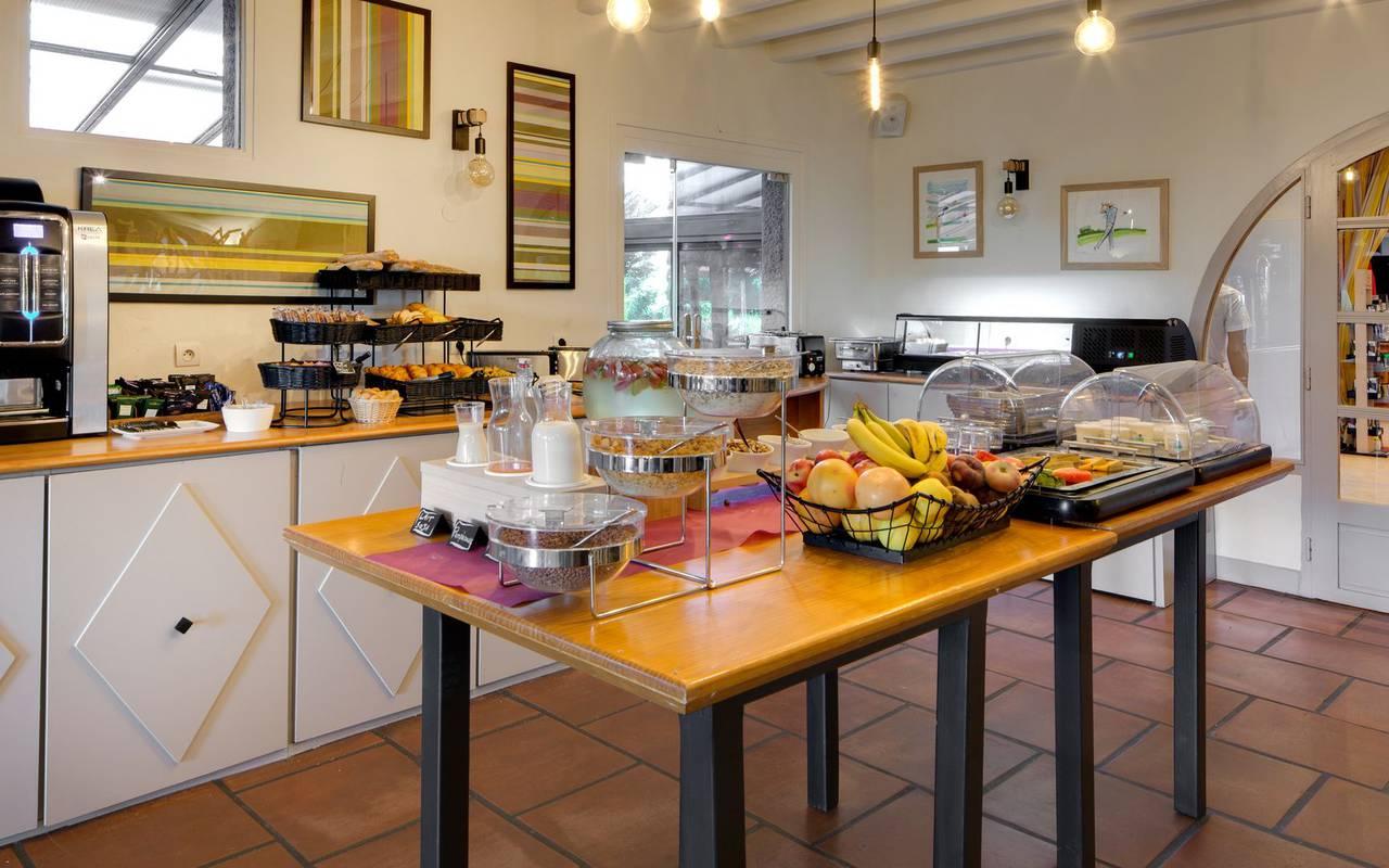 Pyrenees-Orientales hotel breakfast