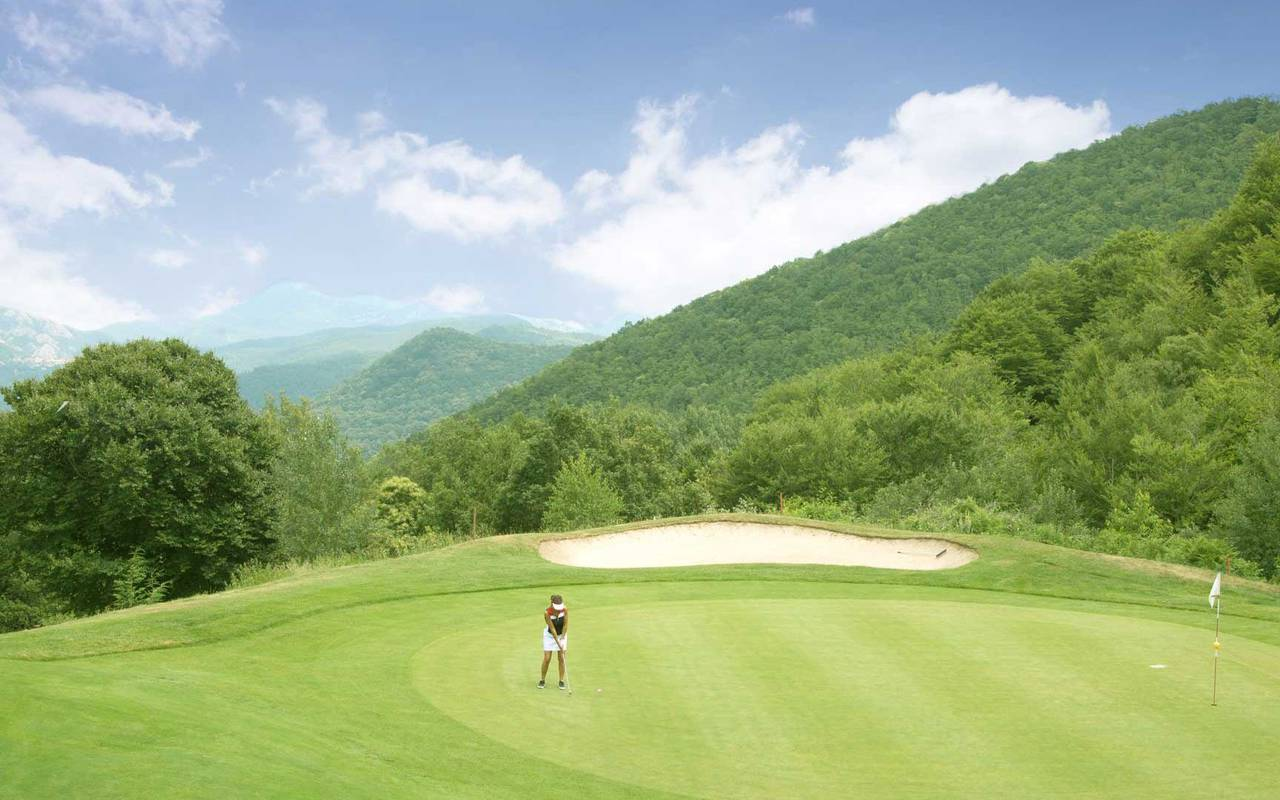 Golf course surrounded by mountains, golf in the south of France, Domaine de Falgos.