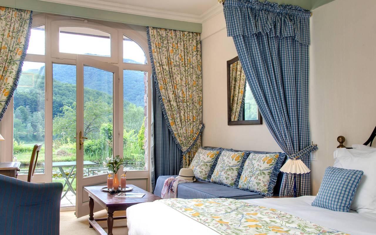 Habitación luminosa hotel Pirineos orientales