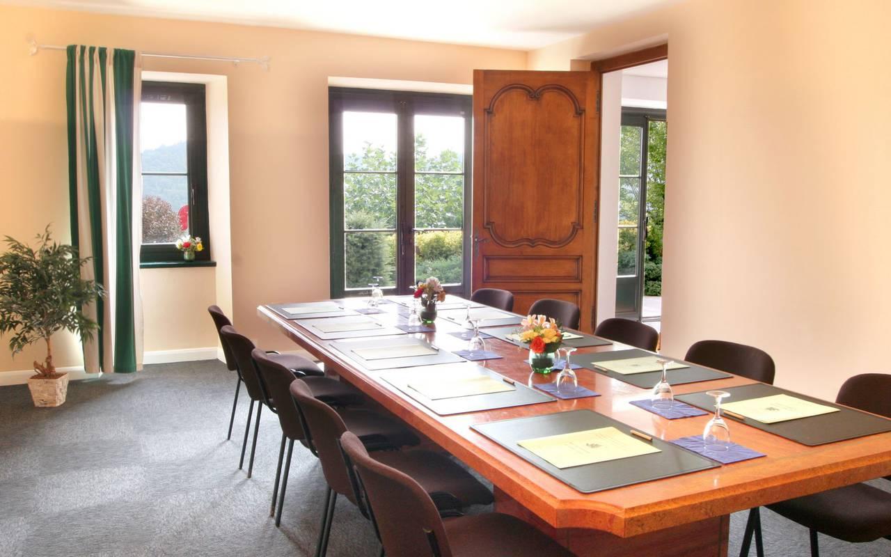 Sala de reuniones del seminario de los Pirineos.