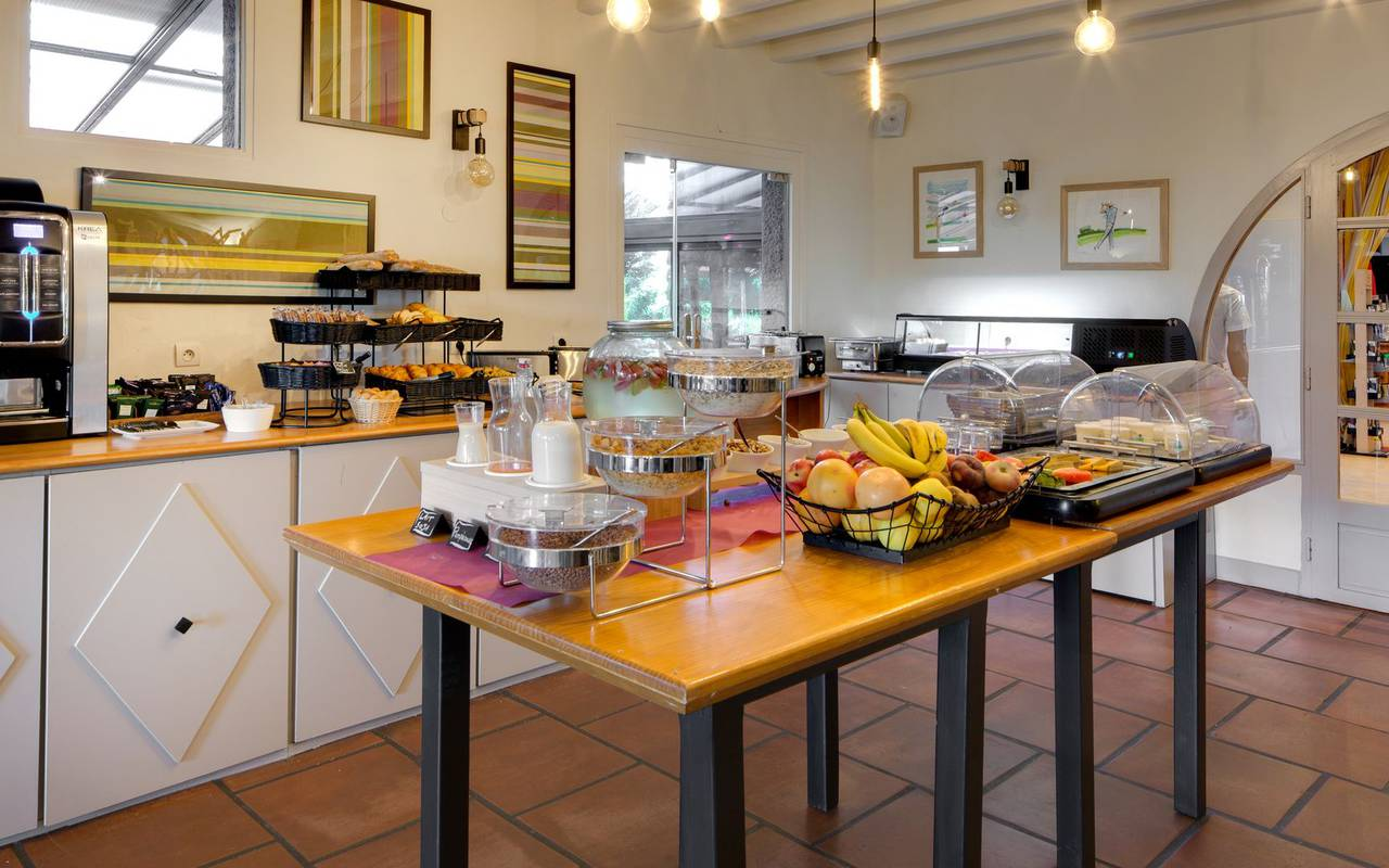 Desayuno hotel Pirineos Orientales