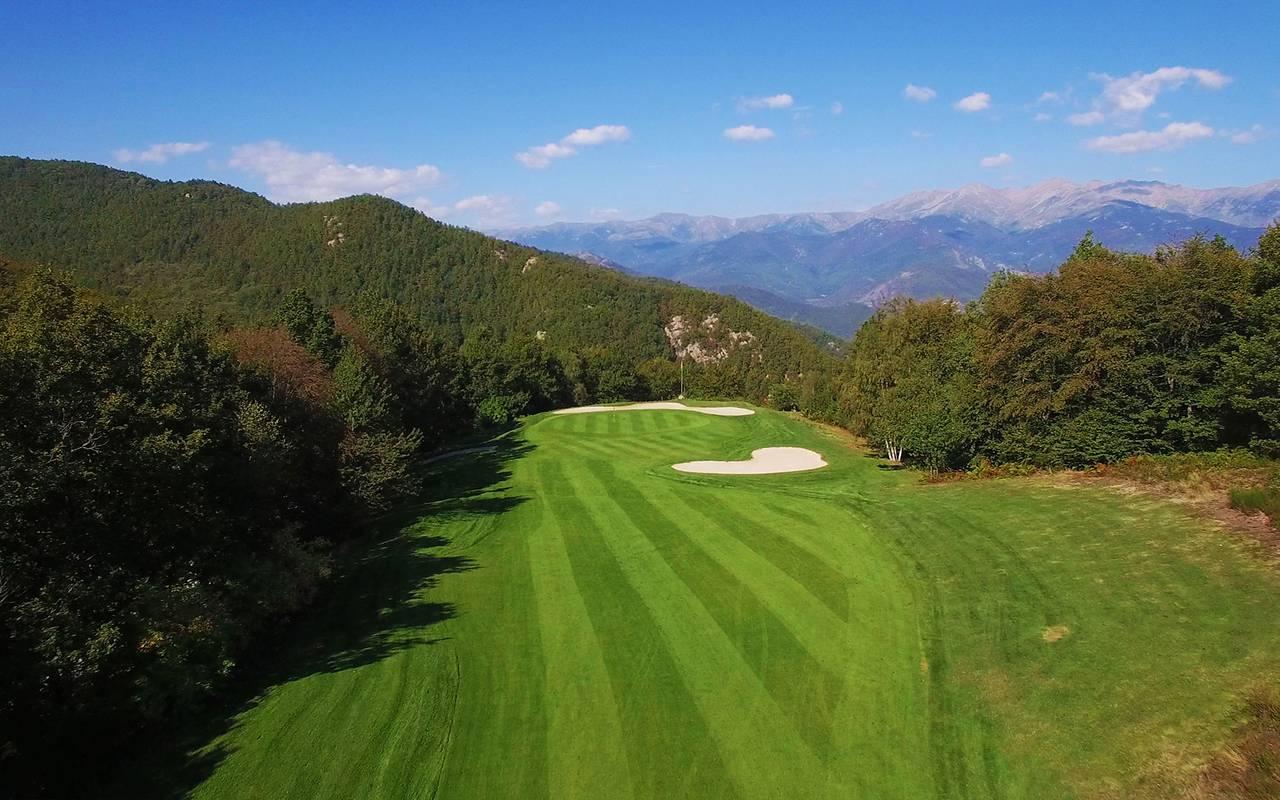 Golf verdoyant hôtel luxe pyrénées orientales