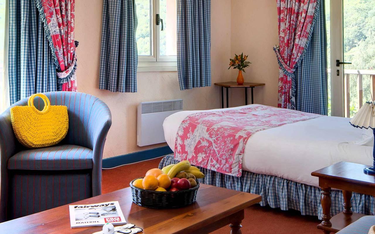 Chambre pour 6 personnes hôtel spa occitanie