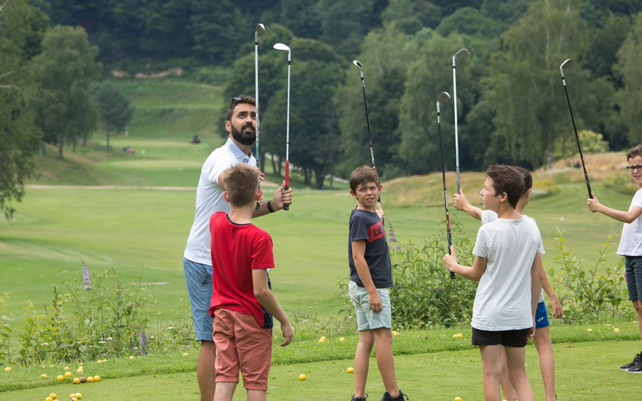 Cours de golf pour enfant week end catalogne